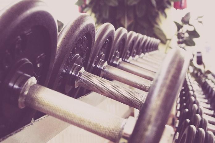 Træn efter et styrketræningsprogram og få mere ud af din træning